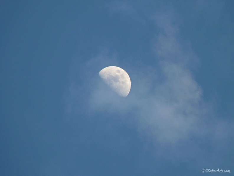 20150226-1824-P1160892-Moon3-Clouds