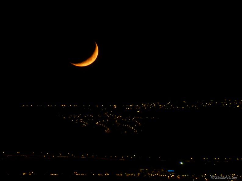20150818-2132-P1190581-Moon2-City-Lights