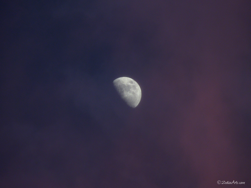20160514-1910-P1310828-Moon3-Clouds