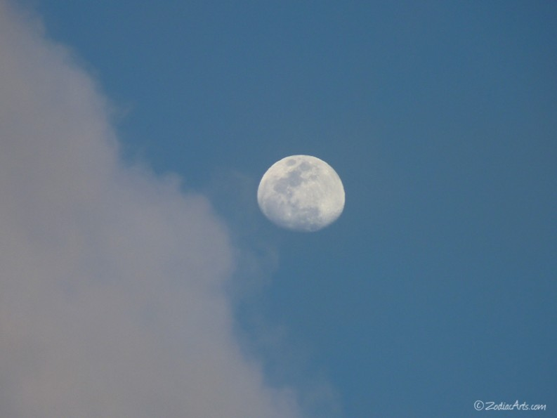 20160517-1849-P1320021-Moon4-Clouds