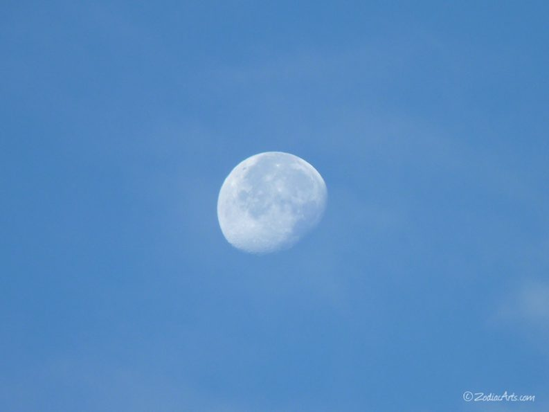 20160525-0621-p1320242-moon6-clouds