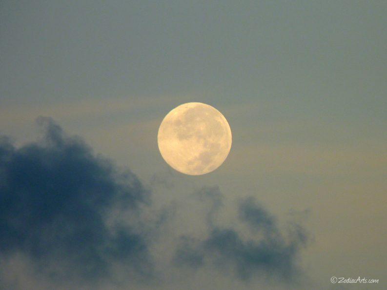 20160720-0609-P1340279-Moon5