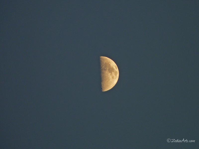 20140803-1906-P1130414-Moon3
