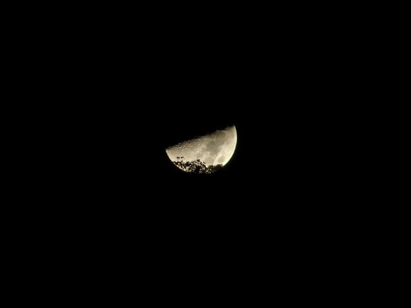 Moon_3_20121021-2207-P1090552-Moon3