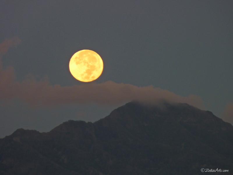 20141206-0648-P1150786-Moon5-Setting-Mountain