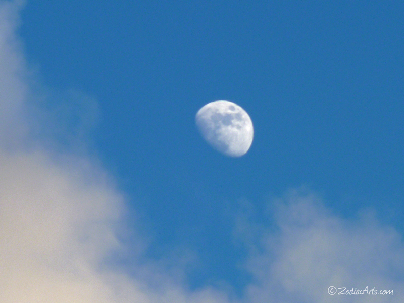 20141201-1718-P1150680-Moon4-Clouds